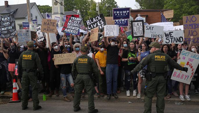 Разогнать и лишить денег: против кого бунтуют американцы