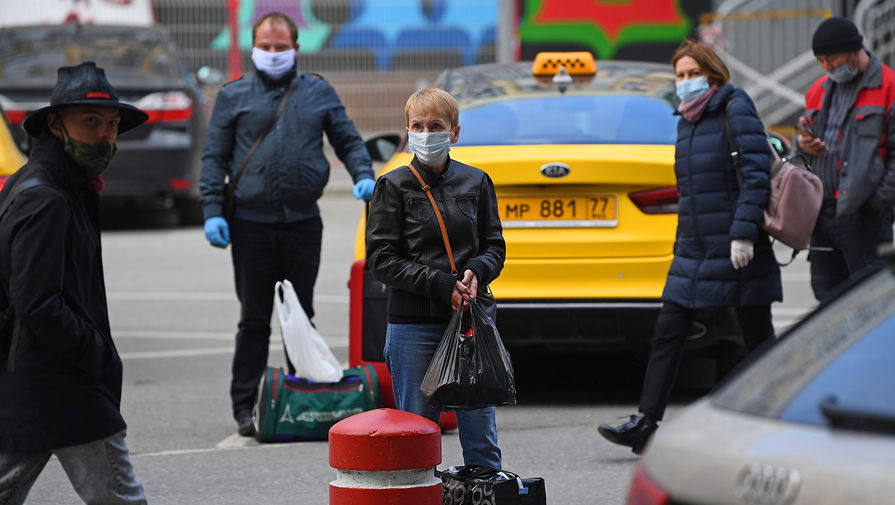 6 из 10 таксистов в Москве нарушают меры по коронавирусу