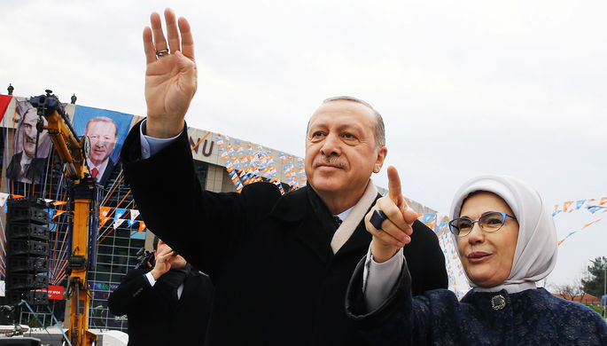 «Грохнуть на Луну что-то турецкое»: Эрдоган объявил о космических планах