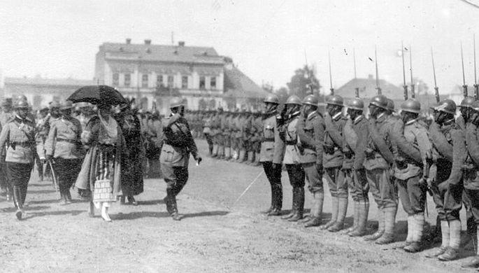 Румынские войска в Черновцах
