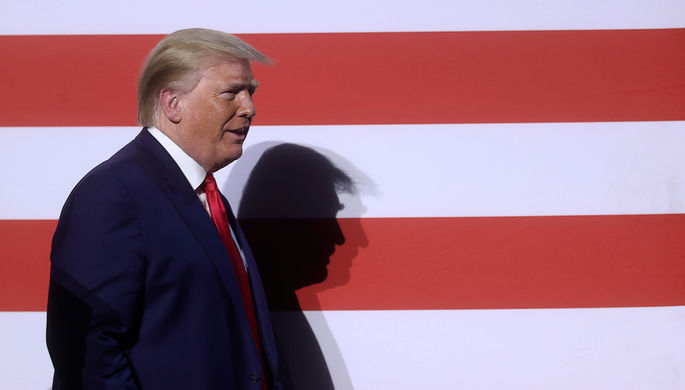Оскорбительно и жестоко:за чтосоцсети блокируют Трампа