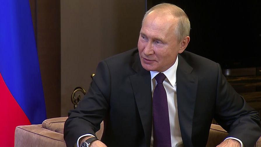 Президент России Владимир Путин во время встречи с президентом Белоруссии Александром Лукашенко в Сочи, 14 сентября 2020 года