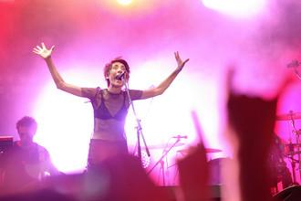 Земфира с альбомом «Жить в твоей голове» стала чемпионом российского iTune