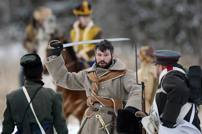 Участники военно-исторической реконструкции событий Отечественной войны 1812 года в городском поселении Апрелевка Наро-Фоминского района.