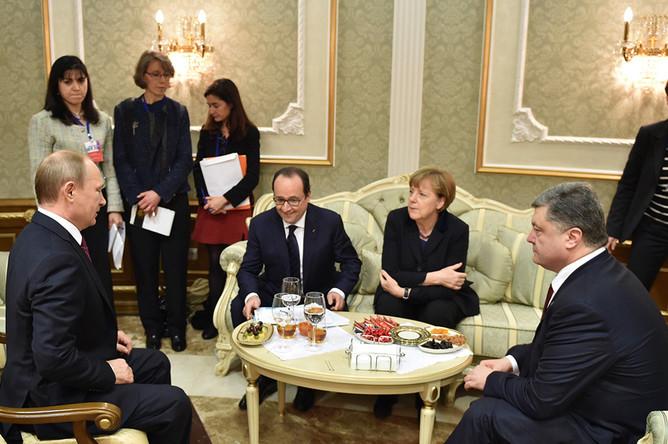 Лидеры государств во время встречи в Минске