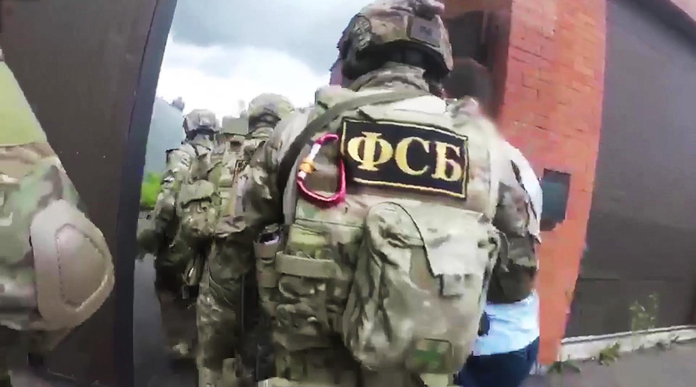 Троих мужчин задержали за финансирование ИГ в Твери