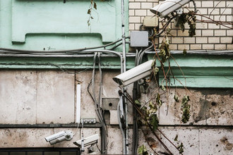 Сохранить лицо: москвичка требует отключить видеонаблюдение
