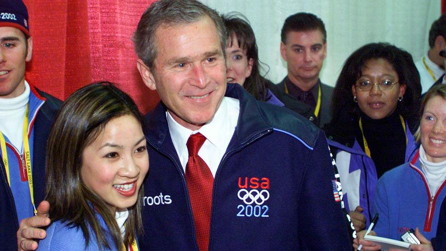 Мишель Кван с президентом Джорджем Бушем перед церемонией открытия Олимпийских игр в Солт-Лейк-Сити, 2002 год