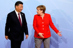 Председатель КНР Си Цзиньпин и канцлер Германии Ангела Меркель