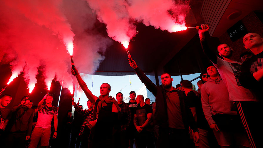 Дали 10 дней: националисты готовы свергнуть Зеленского