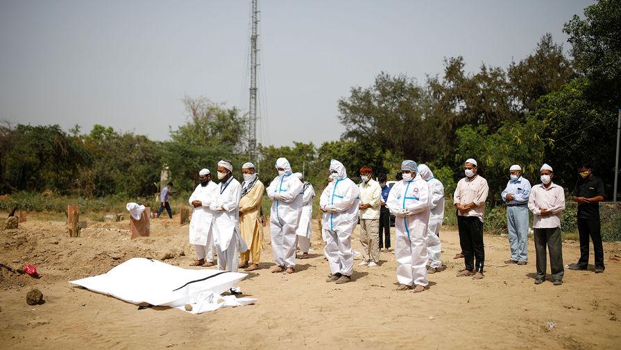 В Индии за сутки от коронавируса скончалось рекордное число человек