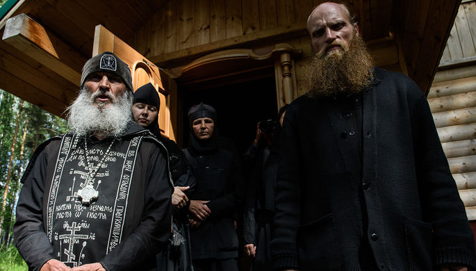 Схиигумен Сергий и Силуан (слева направо)