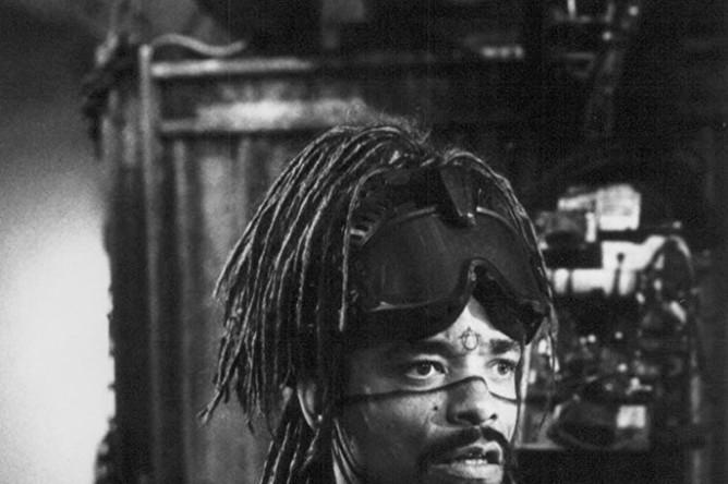 Ice-T в фильме «Джонни-мнемоник» (1995)