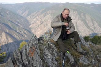 Президент РФ Владимир Путин во время отдыха в Саяно-Шушенском заповеднике, 2018 год