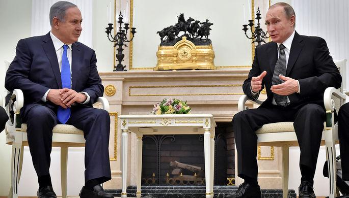 Президент России Владимир Путин (справа) и премьер-министр Израиля Биньямин Нетаньяху во время...