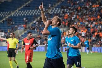 Нападающий «Зенита» Александр Кокорин празднует гол в ворота «Бней Иегуды»