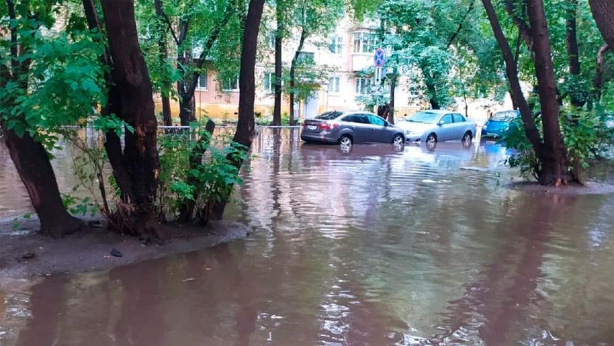 Улицы Екатеринбурга затопило из-за грозы