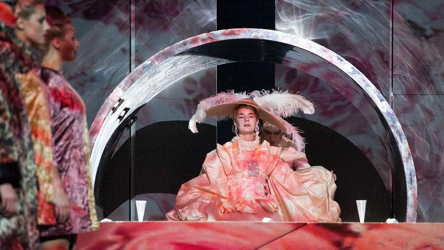 Сцена из спектакля «Ивонна, принцесса Бургундская»