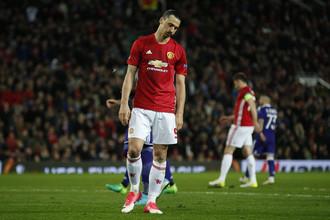 Форвард «Манчестер Юнайтед» Златан Ибрагимович травмировал колено в ответном матче четвертьфинала Лиги Европы против «Андерлехта»