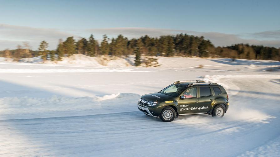 Renault Duster на снежном бездорожье