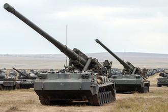 Самоходная атомная пушка САУ 2С7 «Пион» (2С7М «Малка») во время военных маневров российских и китайских вооруженных сил «Восток» в Забайкалье, 2018 год