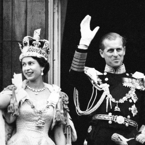 В 1952 году, после смерти короля Георга VI и восшествия на престол Елизаветы II, Филипп стал супругом царствующего монарха, но титул принца-консорта не принял