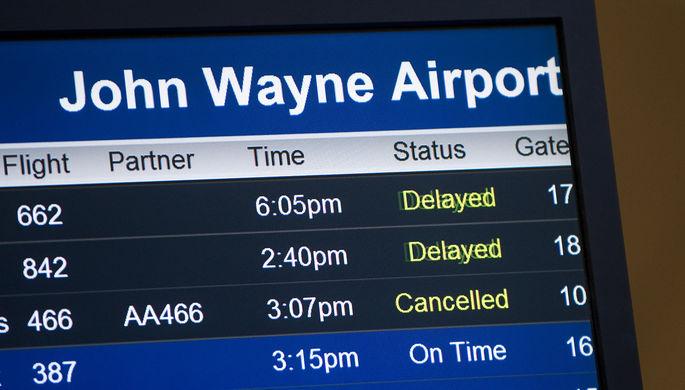 «Обиды темнокожих»: из названия аэропорта уберут «короля вестернов»