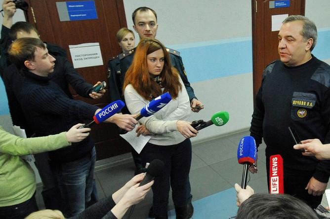 Глава МЧС РФ Владимир Пучков во время общения с журналистами 28 февраля