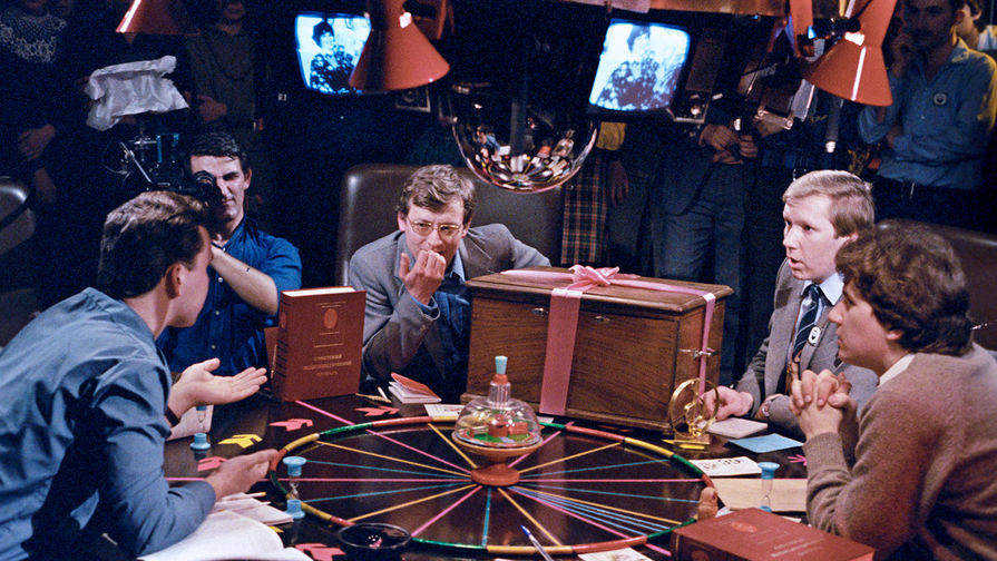 Во время игры интеллектуального клуба «Что? Где? Когда?», 1985 год
