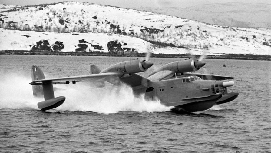 Взлет противолодочного самолета «Бе-12», 1970 год