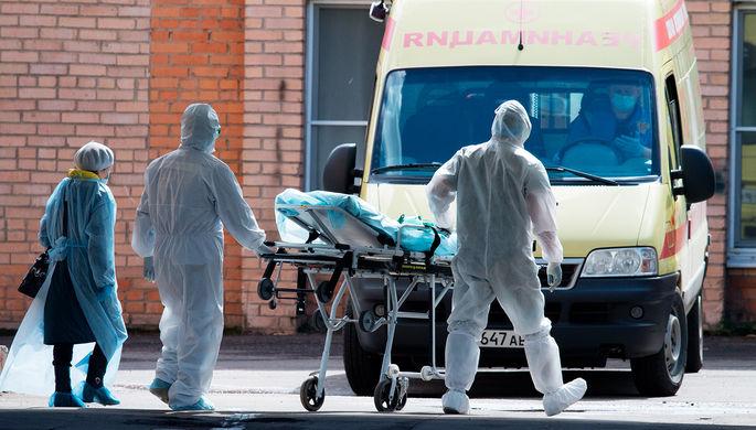 «Пациентов не берут»: региональные больницы не справляются со вспышкой коронавируса