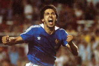 В составе сборной Франции Жиресс в 1984 году стал чемпионом Европы