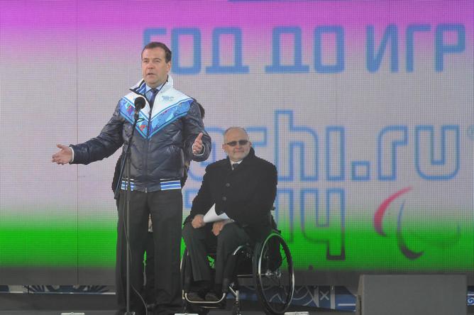 «Одиннадцатые зимние Паралимпийские игры, которые будут проходить в Сочи, — это первые Паралимпийские игры, которые будет принимать наша страна, и мы горды этим», — начал Медведев.
