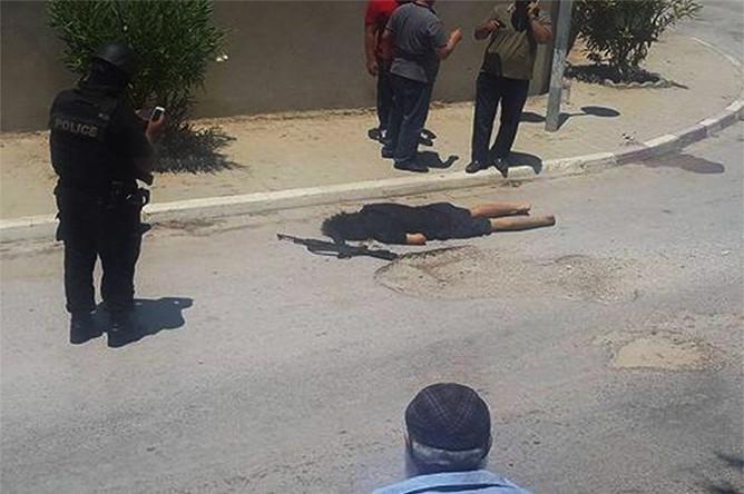 Труп террориста возле пятизвездочного отеля в Тунисе