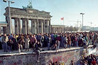 Разрушение Берлинской стены, 10 ноября 1989 года