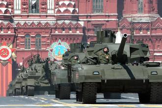 Танки Т-14 «Армата» во время генеральной репетиции парада Победы на Красной площади