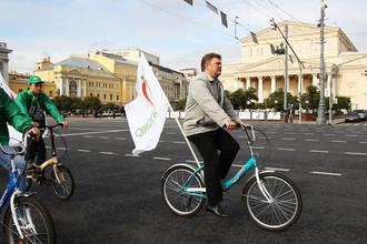 Активисты партии «Яблоко» во время велопробега в «День без машин» в Москве, 2011 год