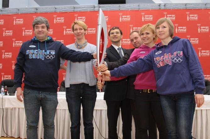 Высокие гости вокруг олимпийского факела