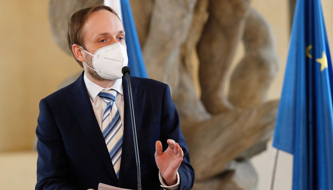 «Провокационный настрой»: в Кремле объяснили отказ Чехии от «Спутника V»