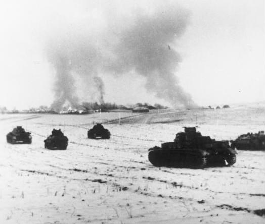 25 ноября 1941 года. Немецкие танки атакуют советские позиции в районе Истры