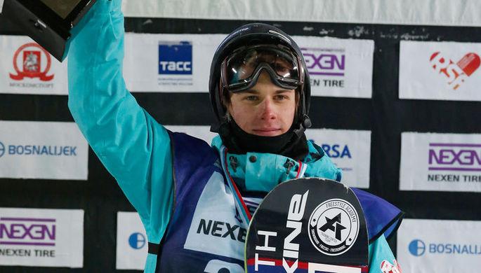 Джейк Бертон со сноубордом собственного производства