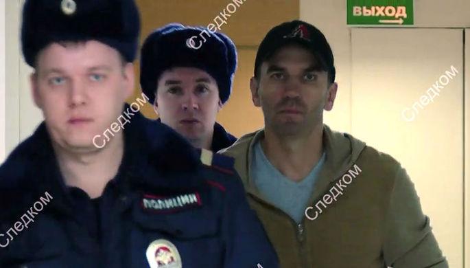 «Эх, Мишаня»: как экс-министр обживается в изоляторе