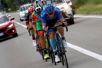 Велогонщик российской команды «Газпром-РусВело» Павел Брутт в отрыве