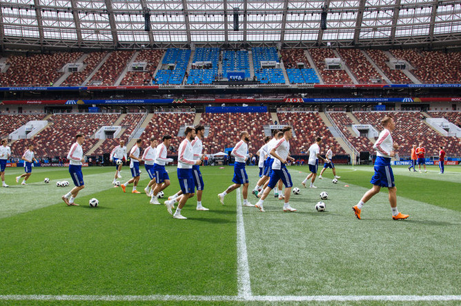 Сборная России по футболу на заключительной тренировке перед чемпионатом мира