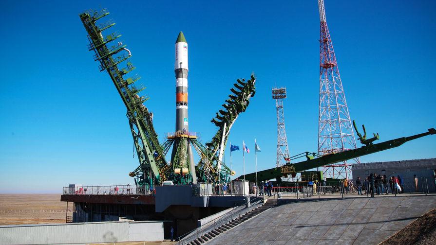 Ракету «Союз-2.1а» установили на стартовый стол Байконура