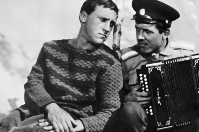 Владимир Высоцкий и Валерий Золотухин в кадре из художественного фильма «Хозяин тайги»