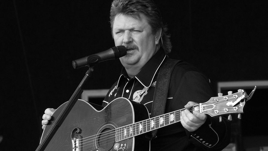 Кантри-музыкант Джо Диффи умер от связанных с коронавирусом осложнений