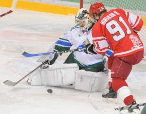 Юньков в декабре 2008 года в Сокольниках против «Салавата Юлаева»
