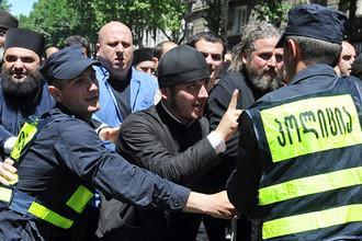В Тбилисском городском суде начался судебный процесс над двумя священниками – участниками контракции против гей-флешмоба