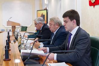Справа налево: Михаил Котюков (ФАНО), Владимир Фортов (РАН), Виктор Косоуров (Совет Федерации)